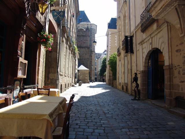 rennes-france-old-street-vieille-ville-ruelle