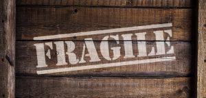 Inscription fragile fond caisse